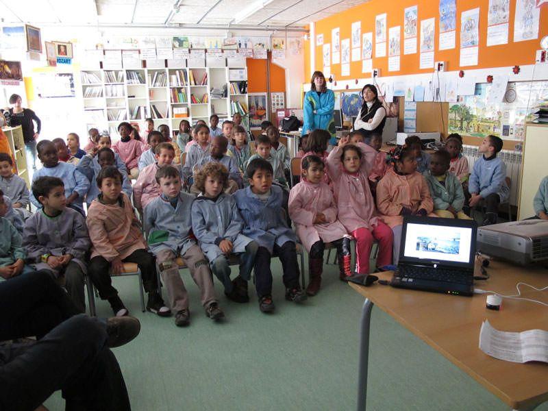 Presentació del projecte als nens i nenes de l'Escola La Sínia