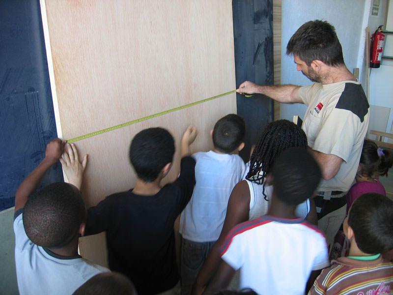 Visita a la fusteria per veure com es tallen i preparen les diferents peces de fusta
