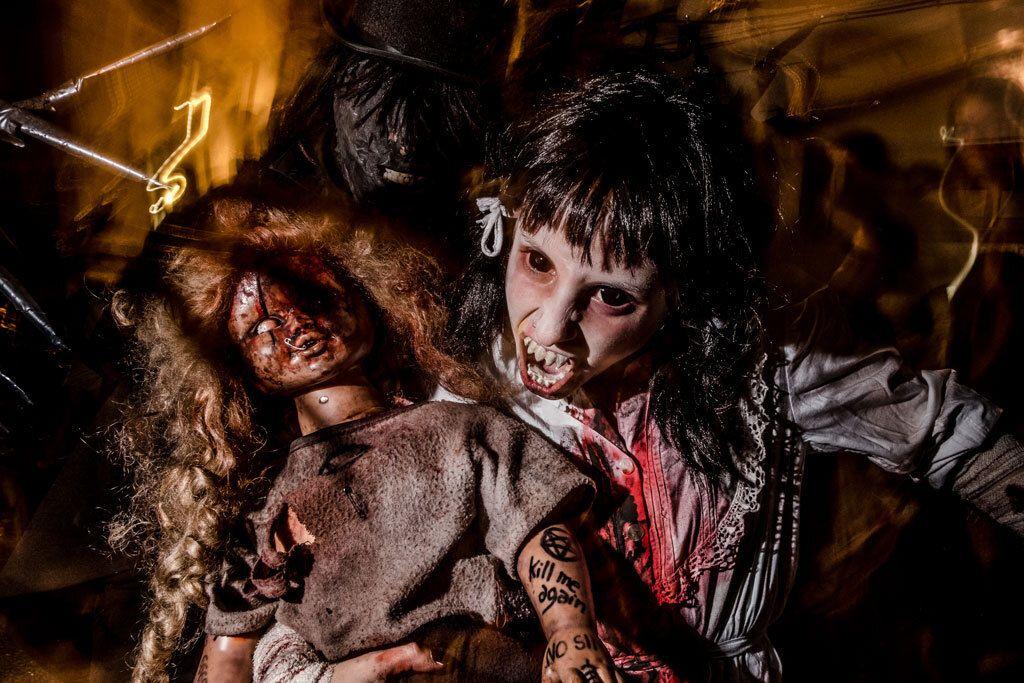 foto expo adrià costa zombie walk sitges foto Adria Costa BR